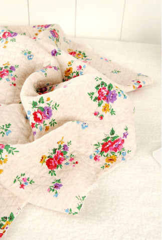 (NEW!) Roses Knit Fabric, Quilted Knit Fabric, Stretchy Knit Fabric - Fabric By the Yard 95994