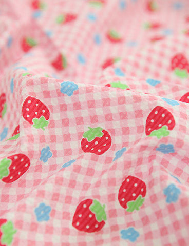 Cotton Fabric Seersucker Plaid Strawberries per Yard 22151