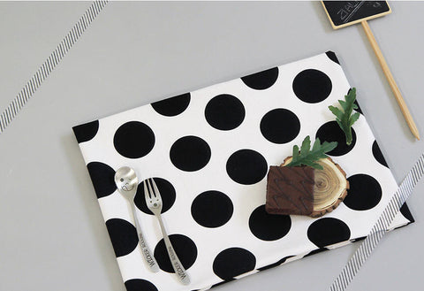 Big Dots Oxford Cotton Fabric - Black and White - By the Yard 80975