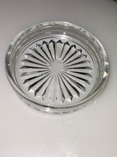 Load image into Gallery viewer, GLASS DESIGN ASH TRAY - Gogia bartan store