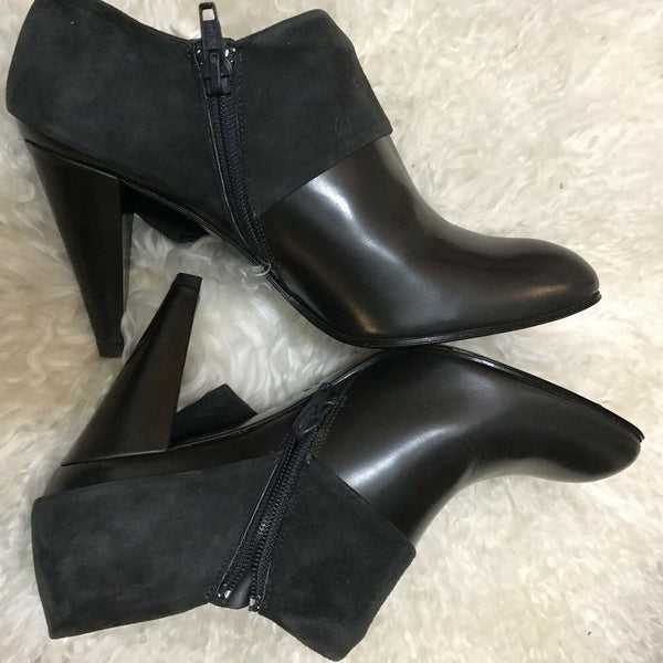 NANETTE LEPORE Black leather Booties Size 6