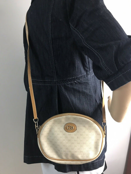 GUCCI Vintage Crossbody Bag All Over Signature