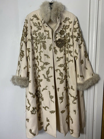 OSCAR DE LA RENTA Embellished Cream Long coat W Fur Trim Small