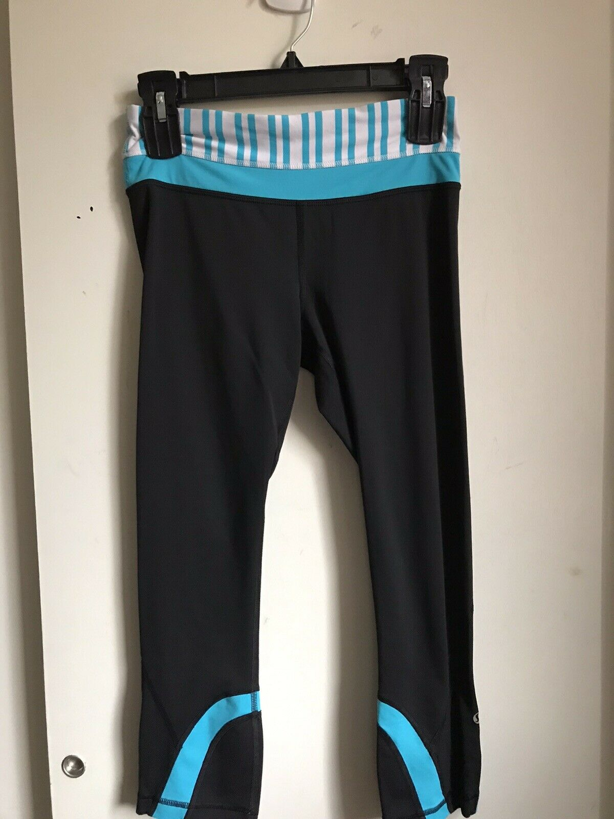 Lululemon Capri Yoga Pants Sz 6