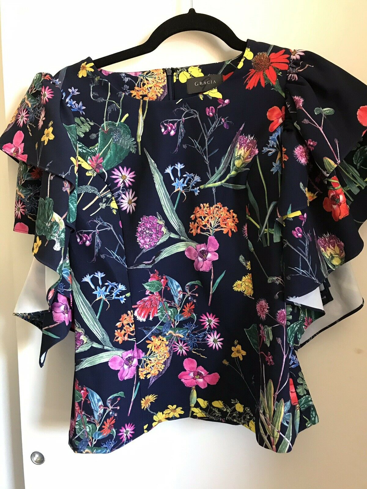 NWT! GRACIA Floral Navy W/ Statment Sleeves Small Msrp $109