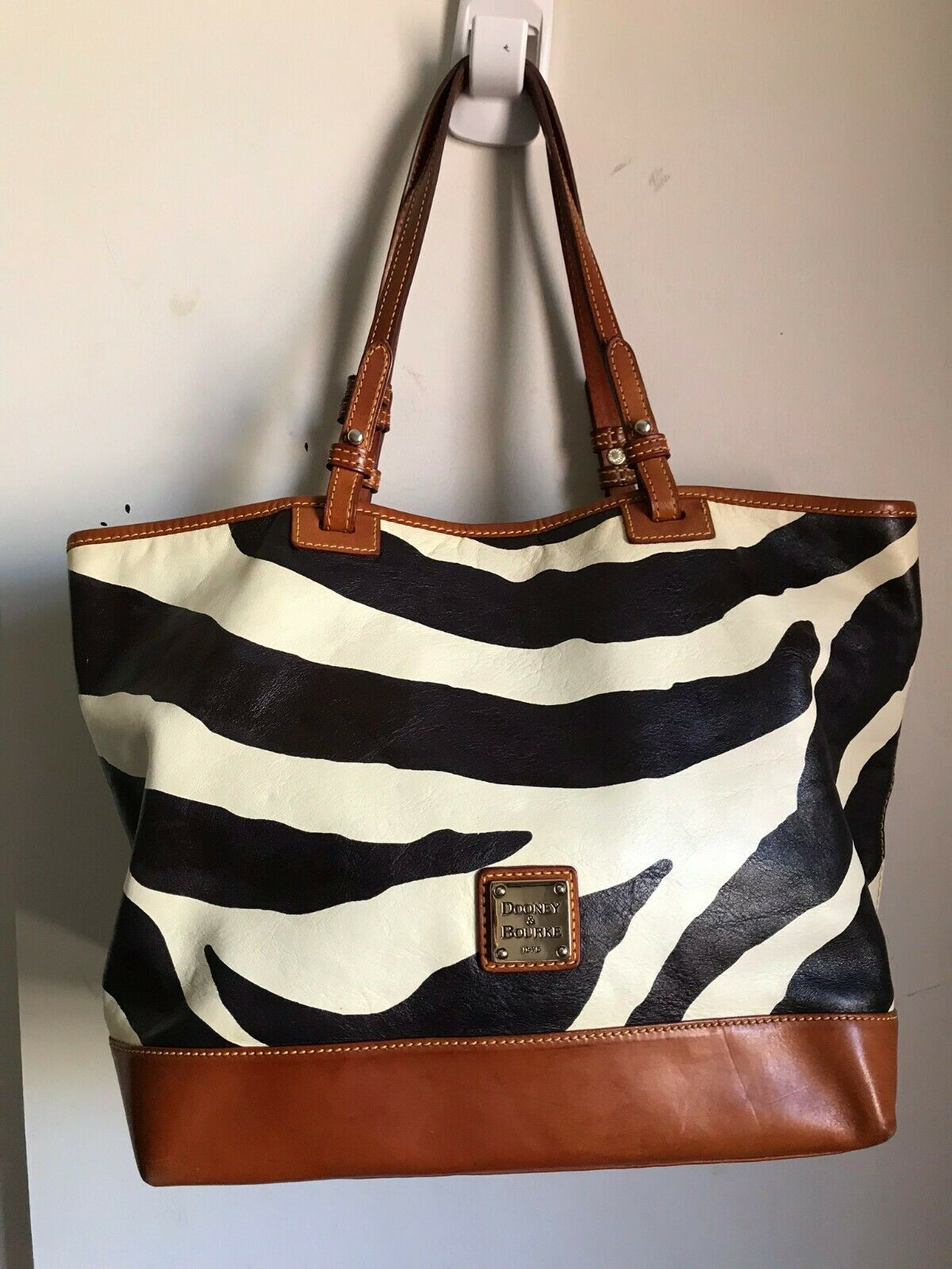 Dooney & Bourke Large Leather Tote Crossbody Bag