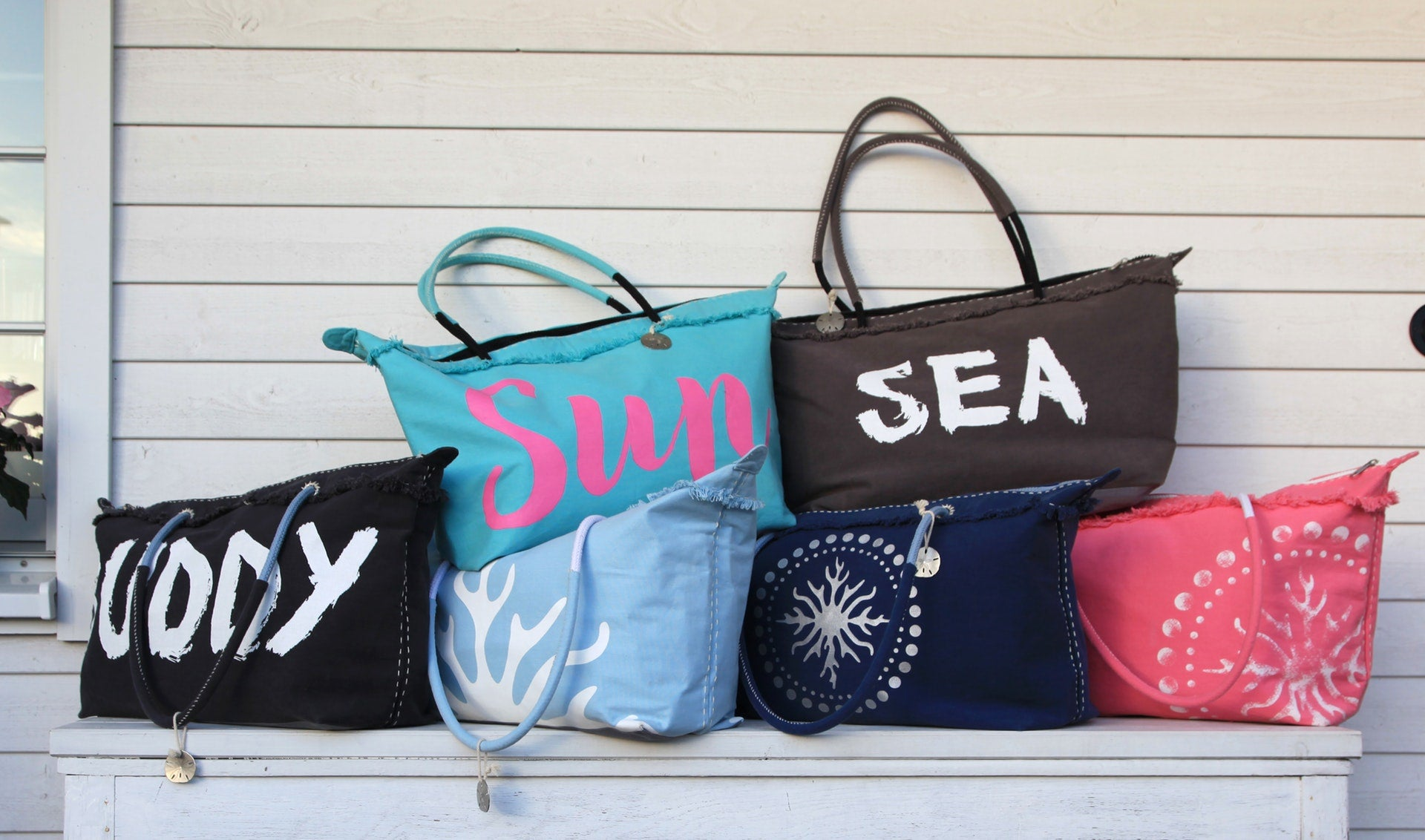 Guide To Different Types of Tote Bags
