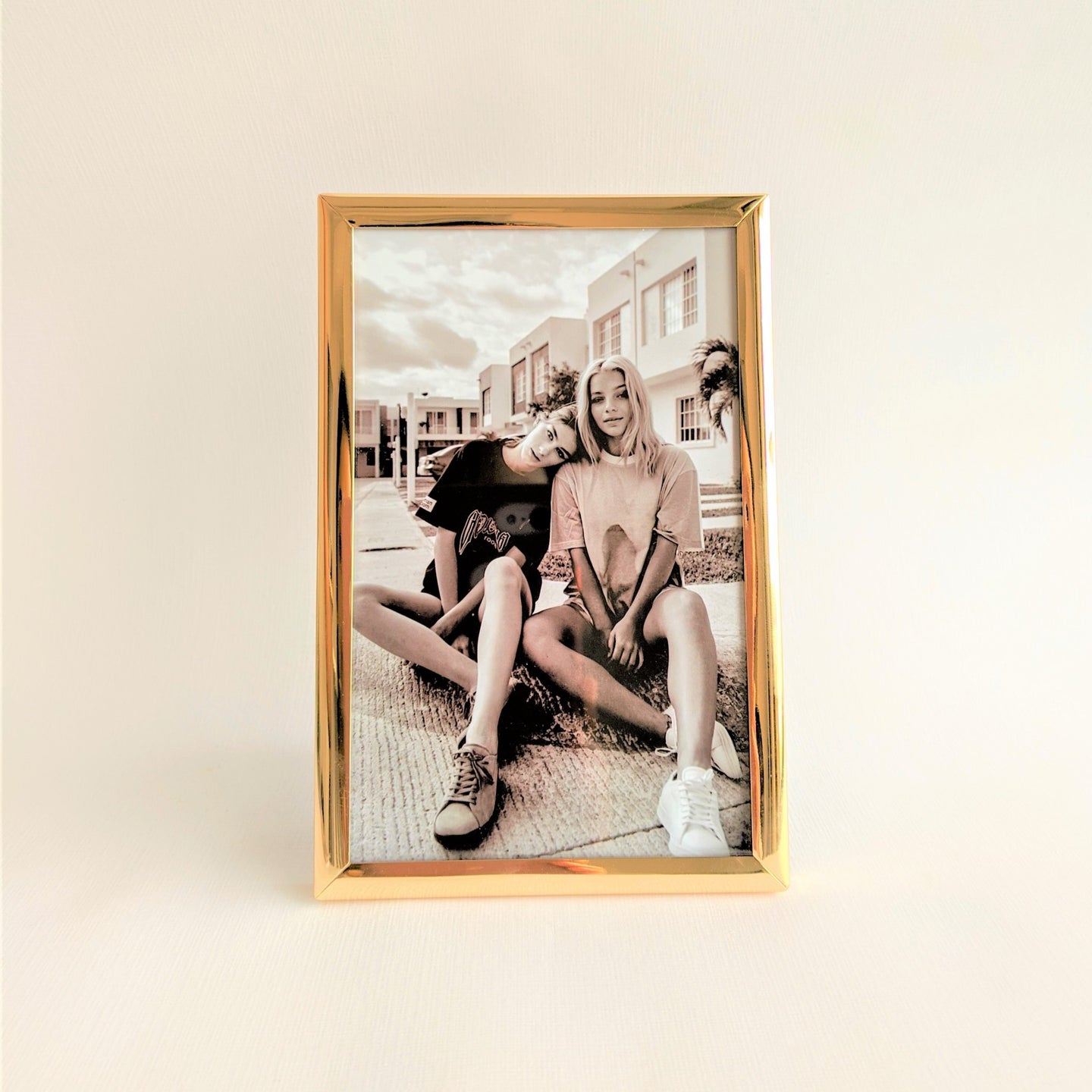 The Swirl Box gold photo frame with photo gift