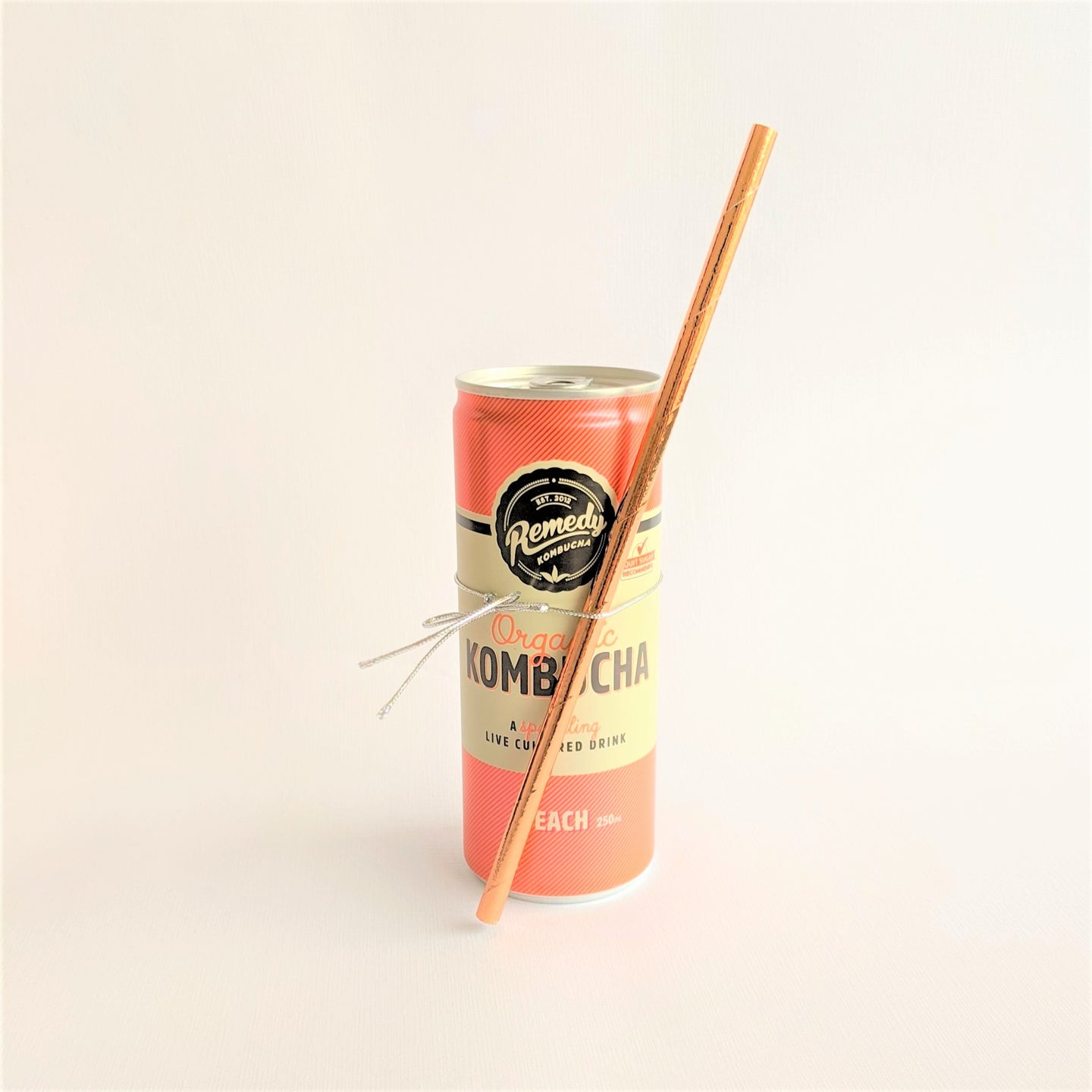 Organic Kombucha can with straw, Peach flavour