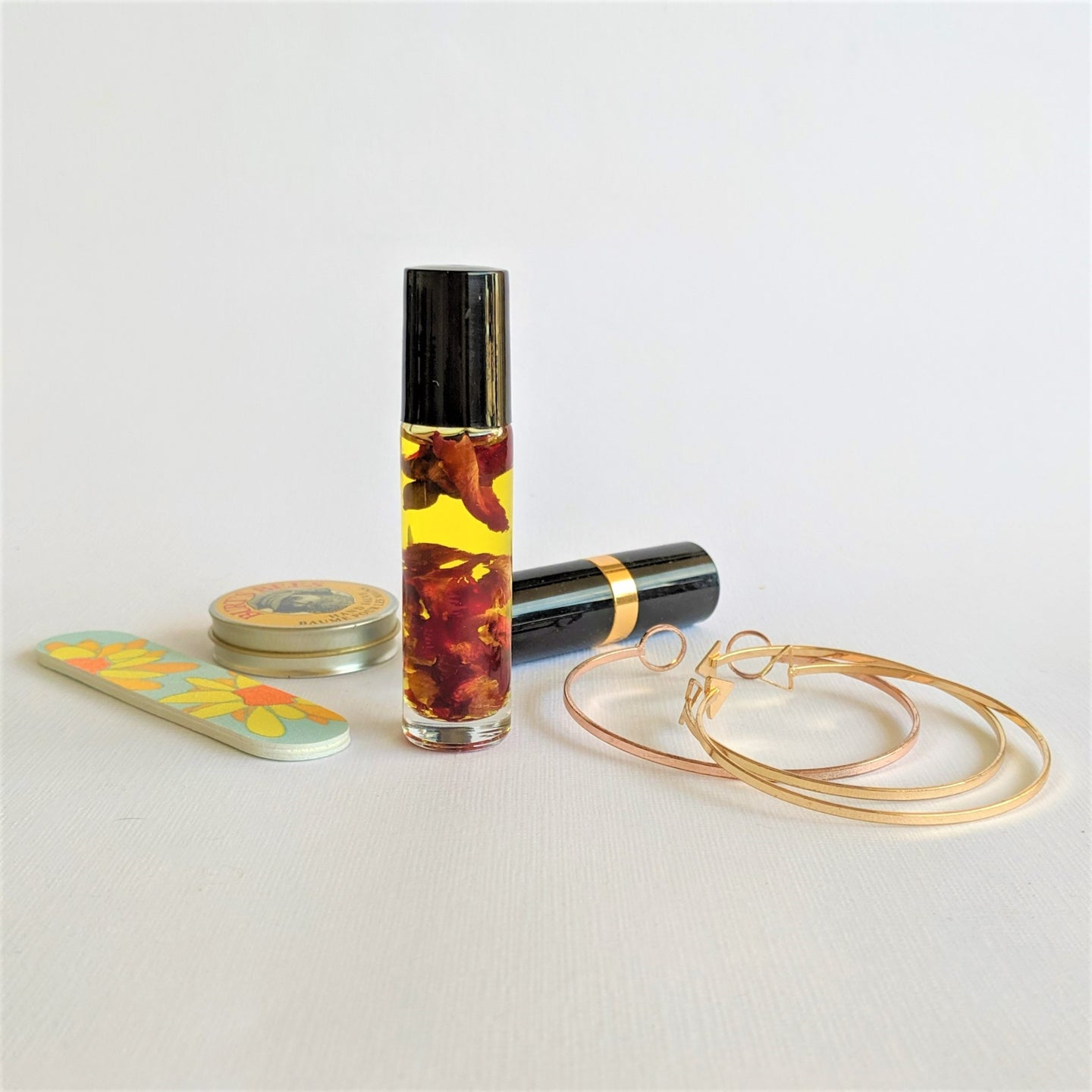 The Swirl Box Rose Essential Oil Roller