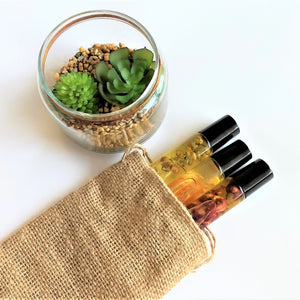 Swirl Box Essential Oil Roller Set in bag