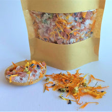 Load image into Gallery viewer, Lavender and calendula bath salts