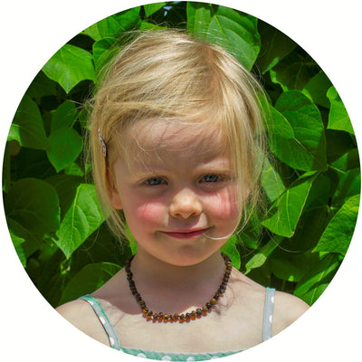 Child Amber Bud Necklace - Green