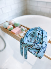 Load image into Gallery viewer, Splash Happy Shower Cap Blue Eye