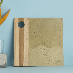 Studio Badge Titi Concrete Platter