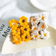 Load image into Gallery viewer, Daisy Hair Clip - White - Little Boo Store
