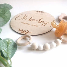 Load image into Gallery viewer, Pregnancy announcement wooden circular plaque - Little Boo Store