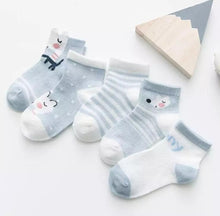 Load image into Gallery viewer, Animal Sock Set - Little Boo Store