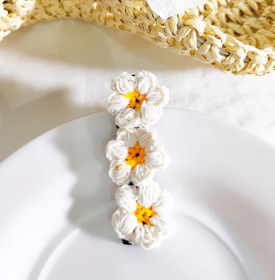 Daisy Hair Clip - White - Little Boo Store