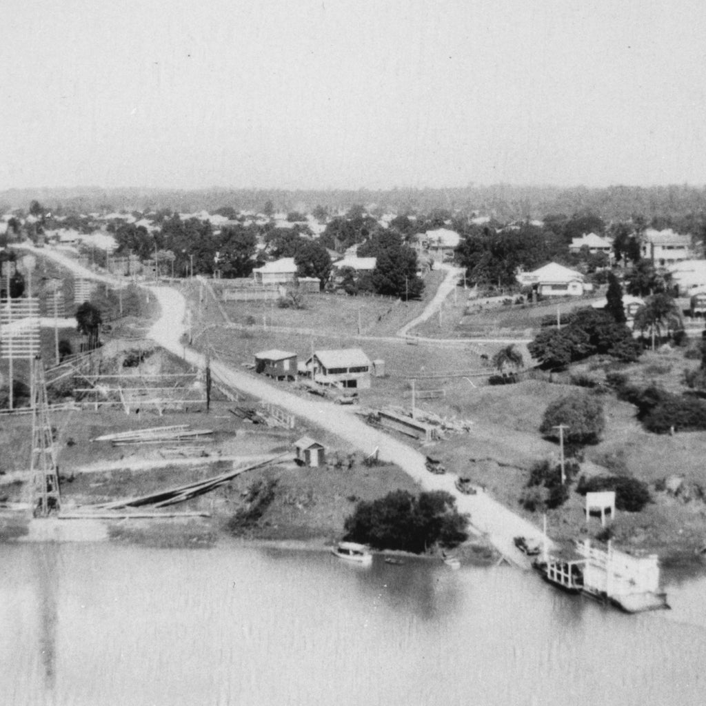 Indooroopilly Ferry loading Cars at Chelmer - 1933