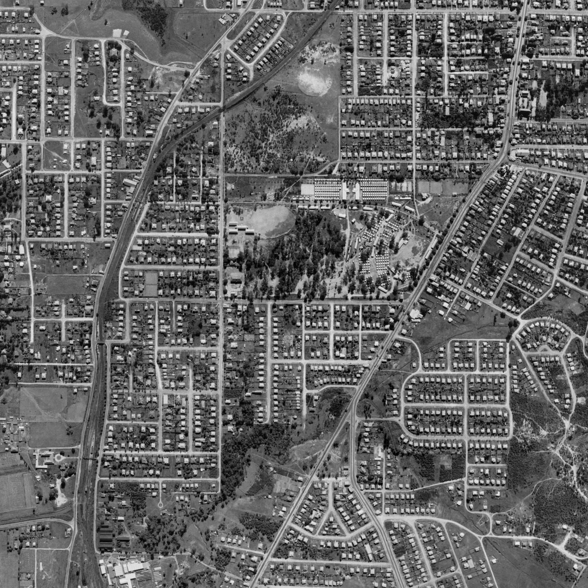 1946 Yeerongpilly - Aerial Photo - Yeerongpilly and Yeronga
