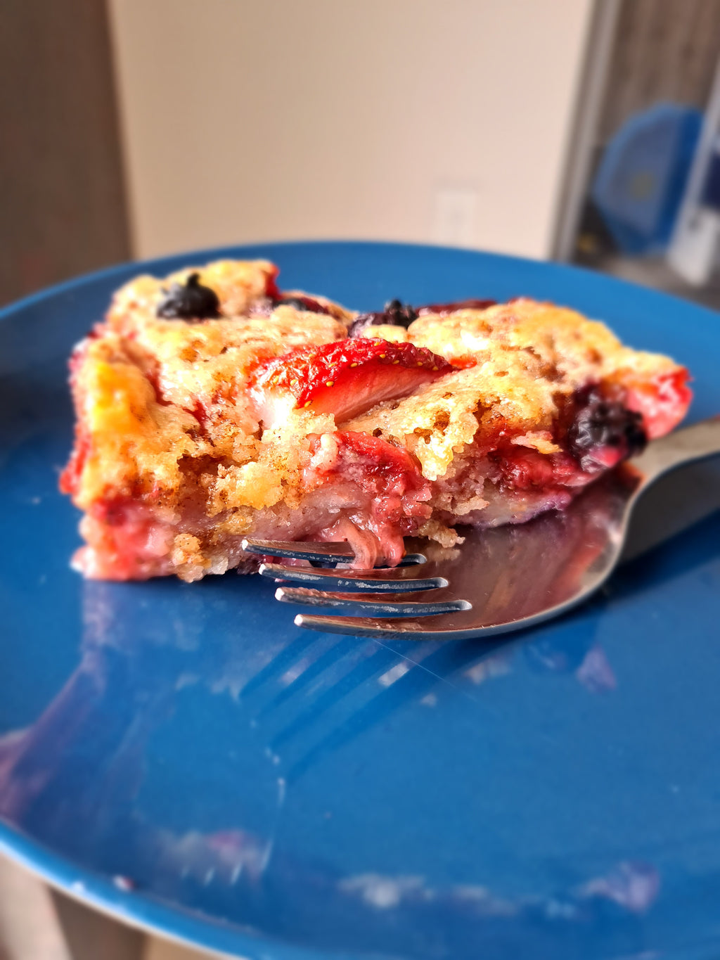 Fresh Strawberry and Blueberry Cobbler (Gluten Free)