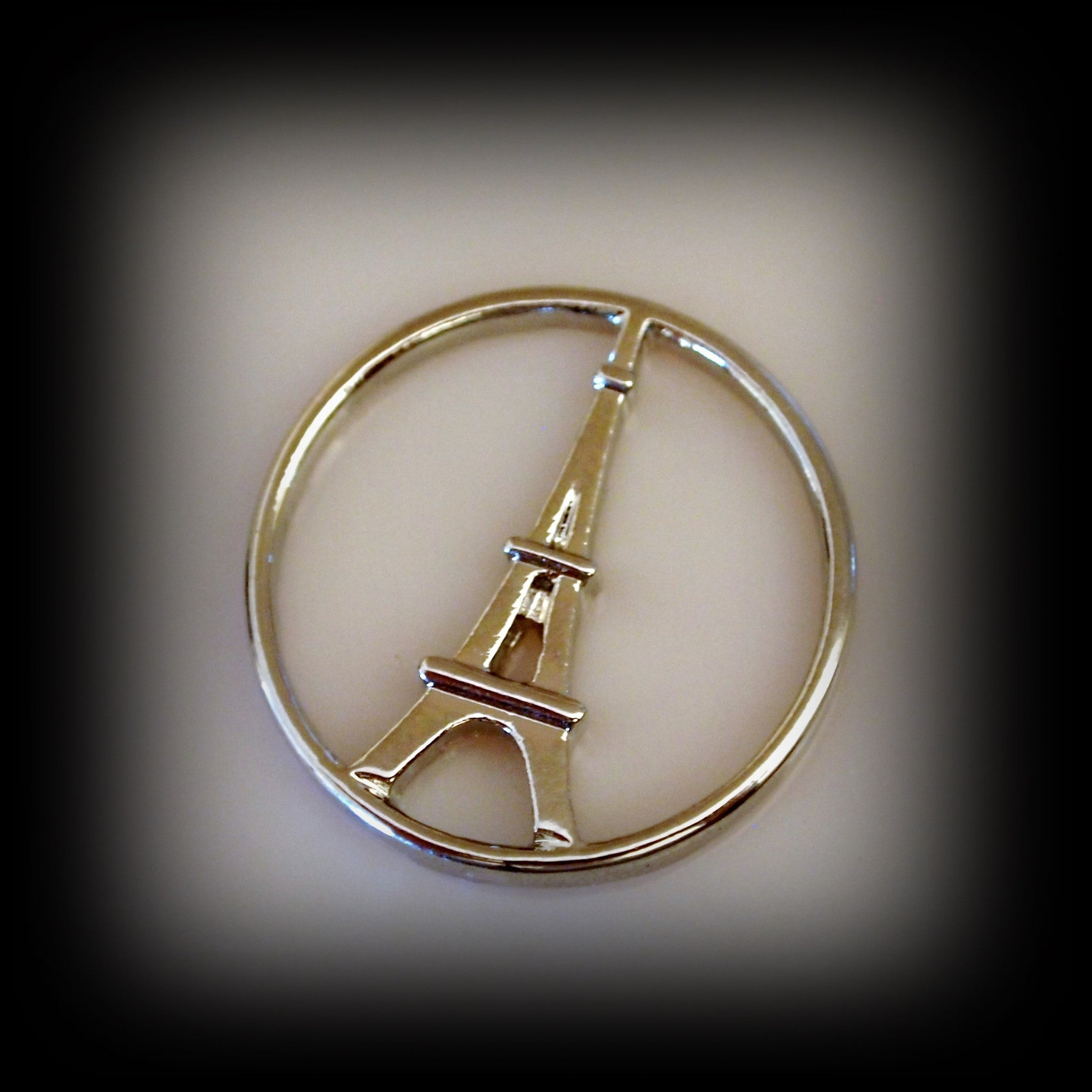 Eiffel Tower Disc - Find Something Special