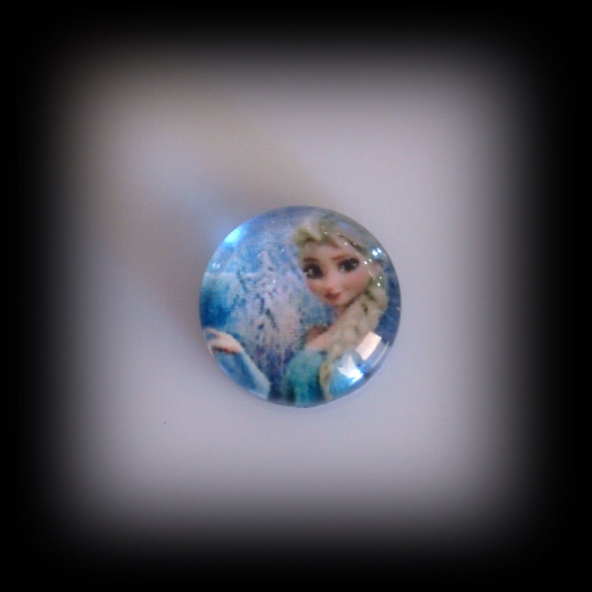 Frozen Floating Charm - Find Something Special