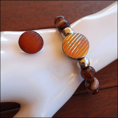 Elastic Brown Beaded Snap Bracelet with 2 Snaps - Find Something Special