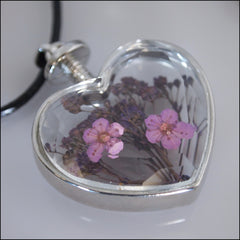 Flowers Forever Heart pendant - Find Something Special