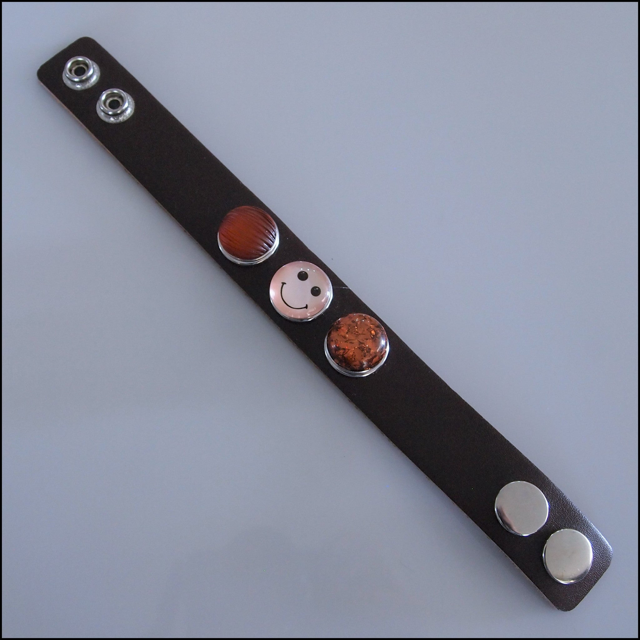Wide Leather 3 Snap Bracelet Chocolate - Set 1