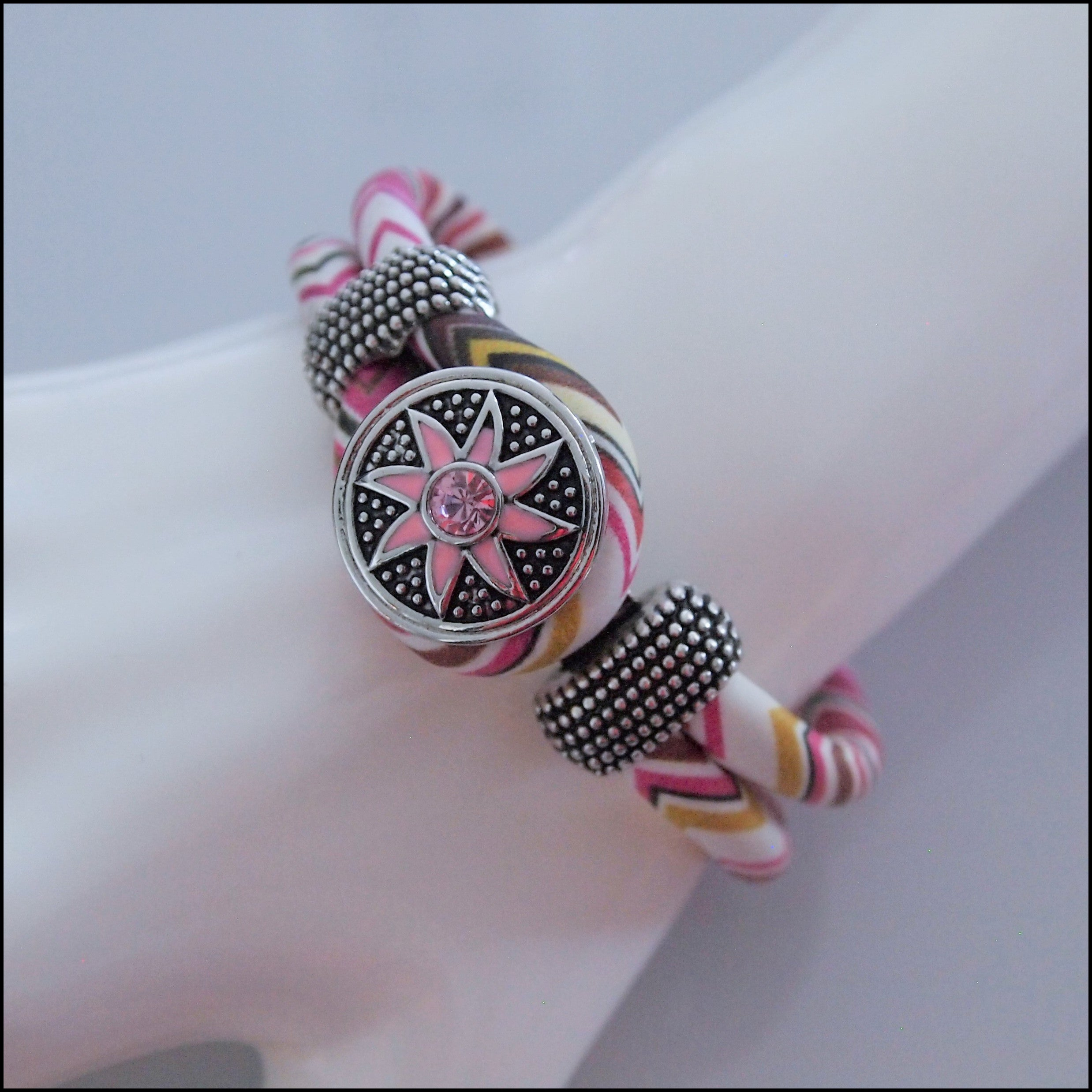 Zig Zag Snap Button Bracelet - Pink/Brown