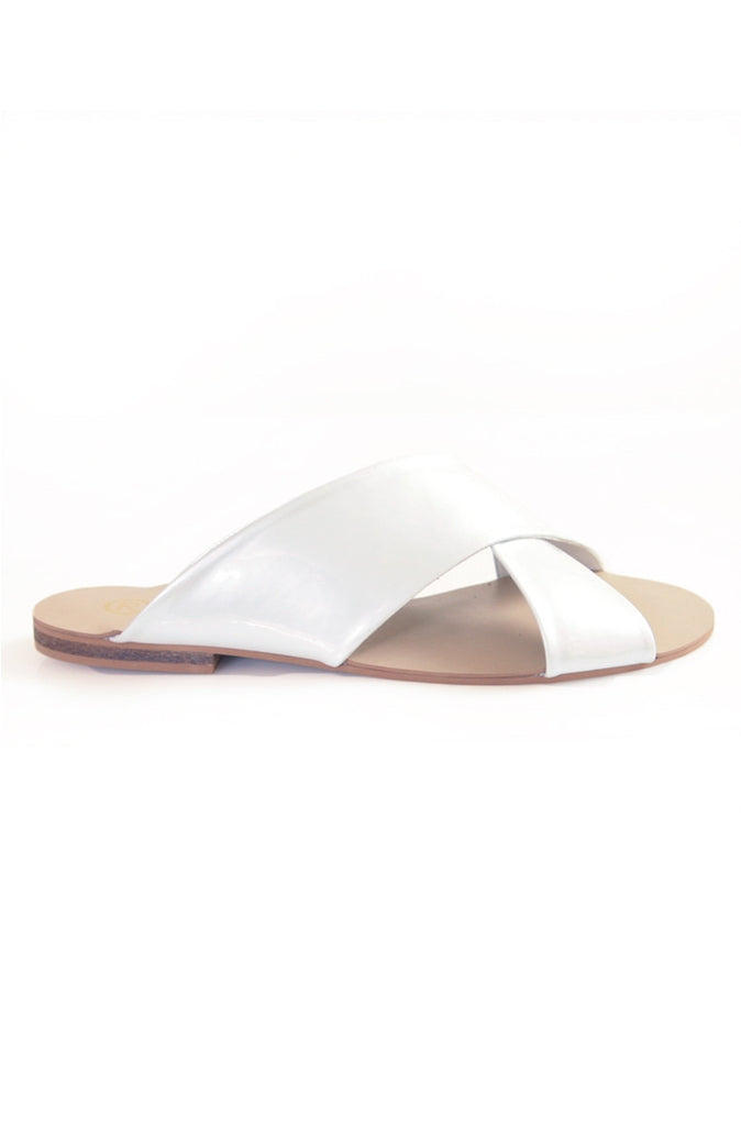 Xtees White Pearl Chrome Flats