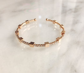 Gold diamond square bracelet