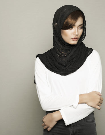 Black Knitted Scarf - Haute Elan