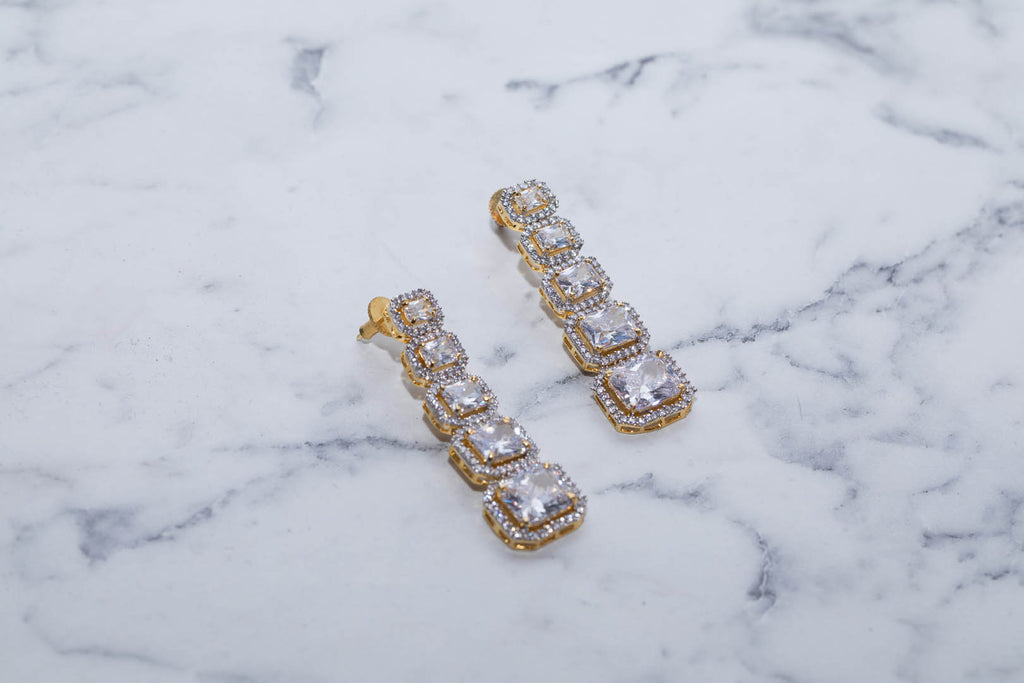 Earing Set With Diamonds