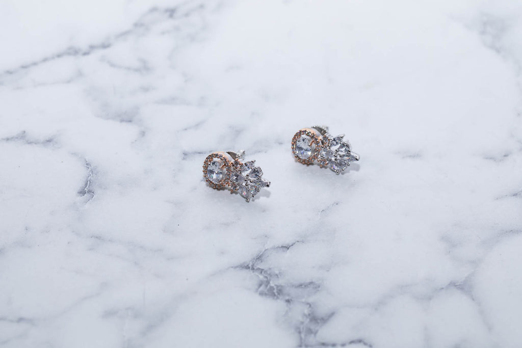 Stunning Set Of Silver Earings With Rose Gold