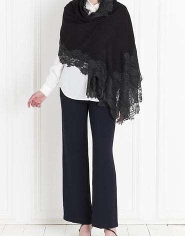 Shawl with Lace - Haute Elan