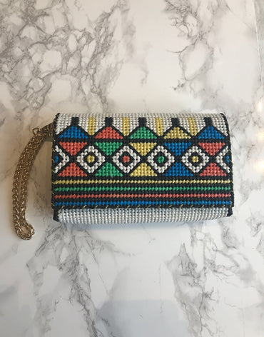 Embroidered Handmade Clutch - Al Qatt Al Asri