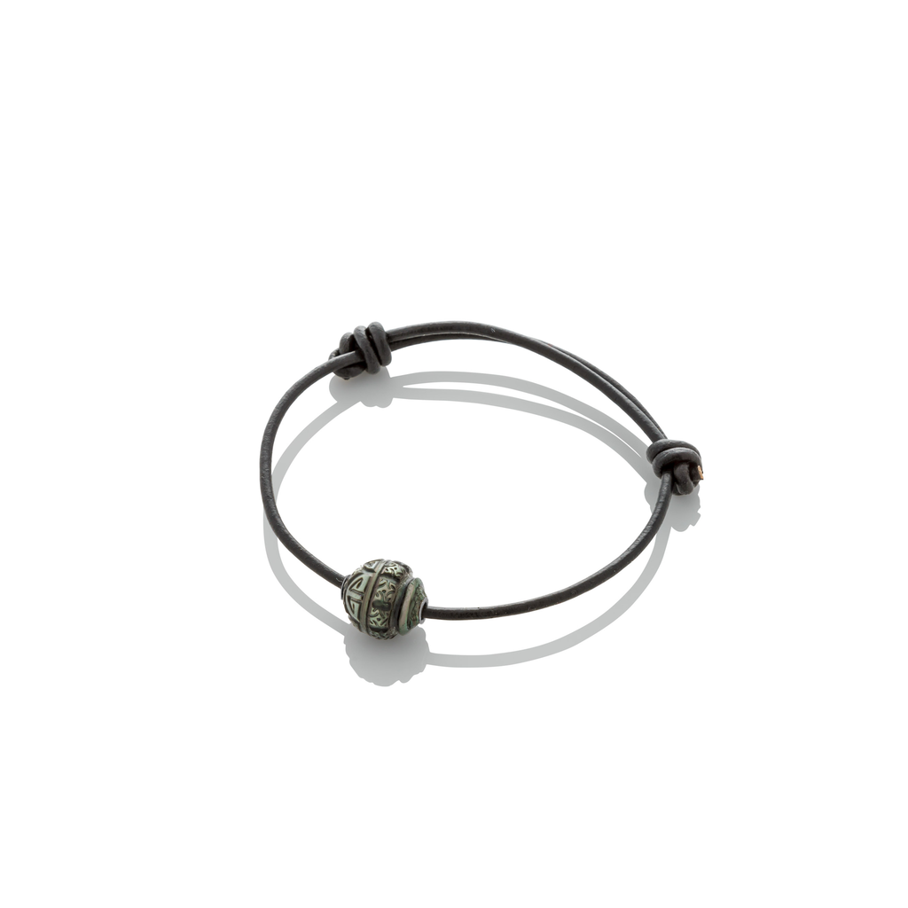 TATTOO PEARL ON LEATHER BRACELET - Haute Elan