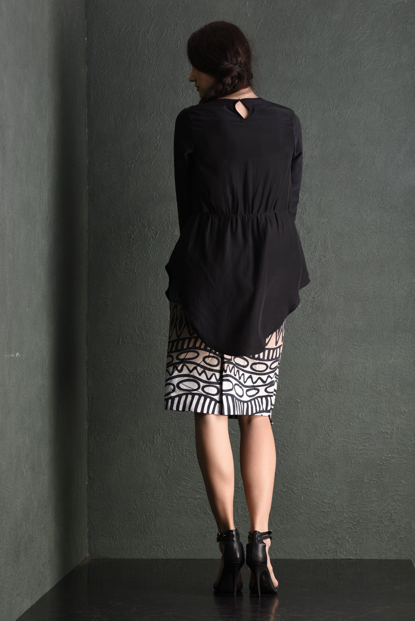 Pikilyi crepe fitted tunic