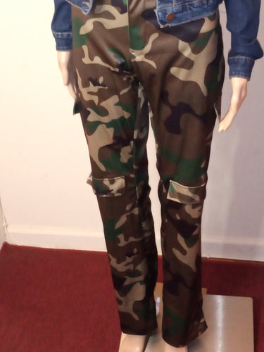 ALL ABOUT THE CAMO CARGO PANTS - spazz26