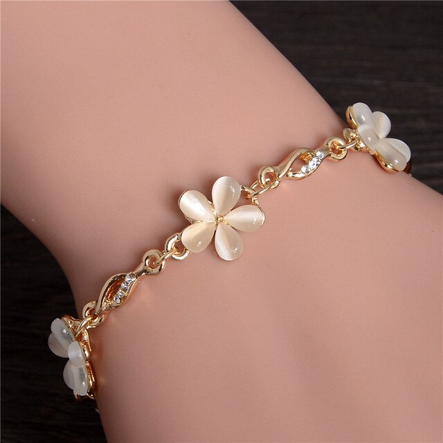 2019 Gold Color Opal Stone Beaded Pendant Bracelets and Bangles Fashion Women Heart Flower Charm Bracelet Jewelry Accessories