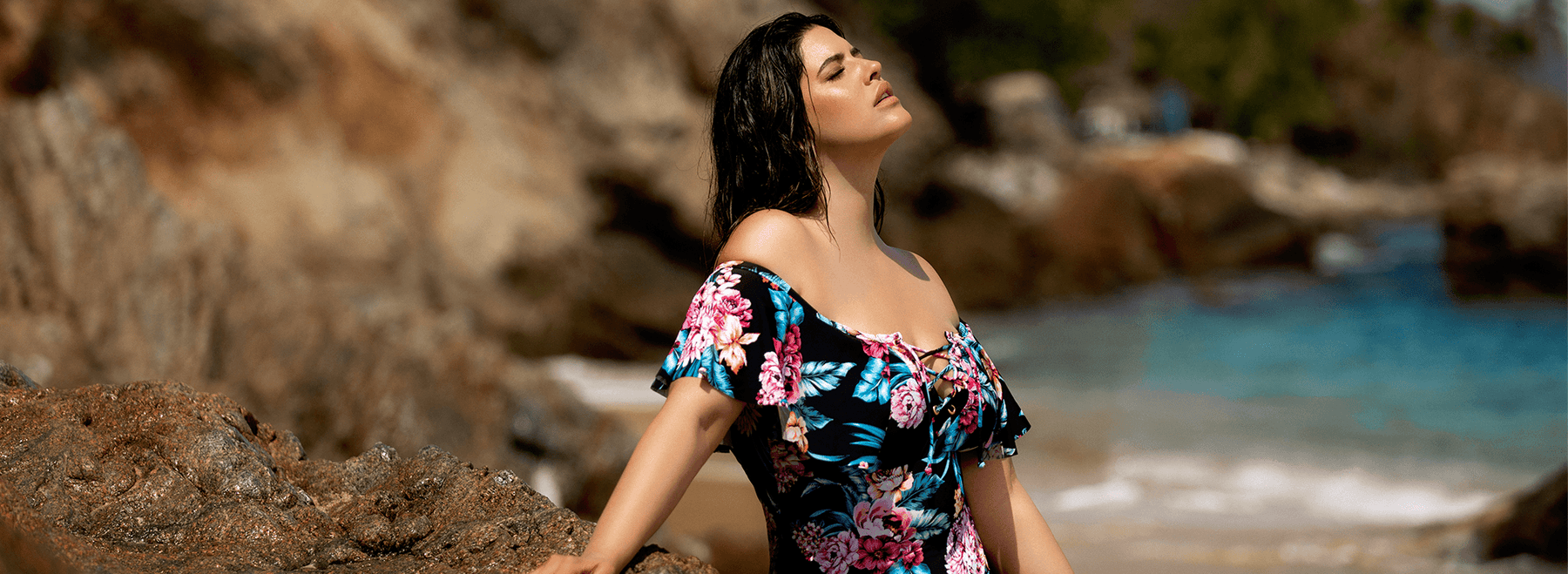 Choose Plus-Size Swimsuits with Curvy Confidence