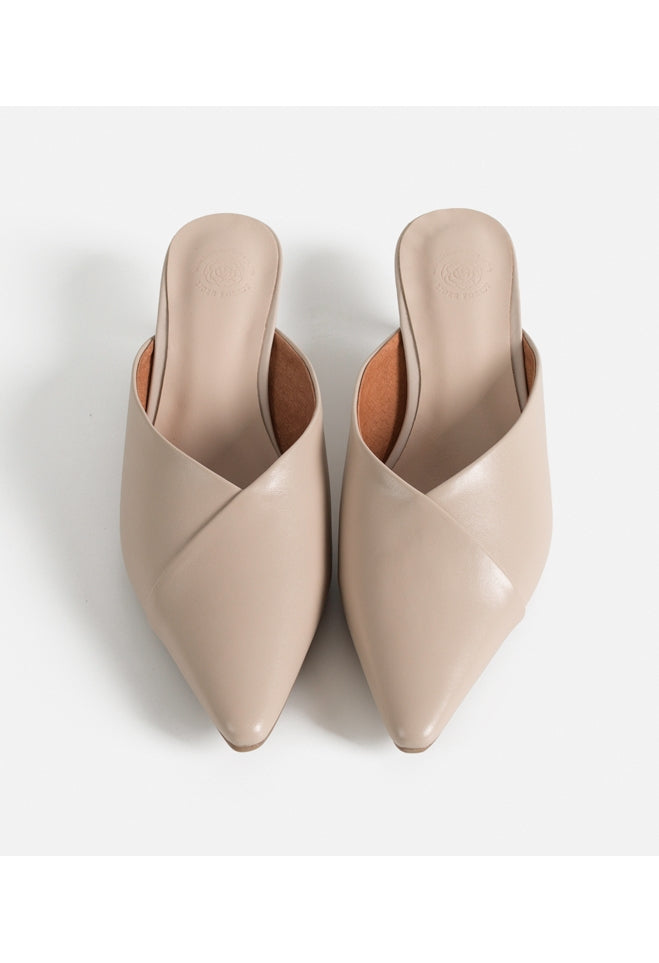 ERIN Nude Leather Mules