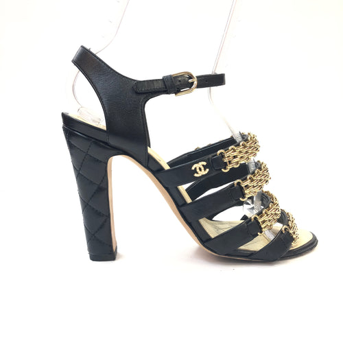 CHANEL 16P Quilted Heels With Chain Deatil