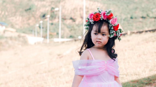 Flower Girl Flowers: Traditional vs. Trendy