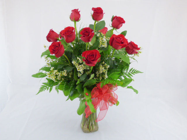 Timeless Dozen Roses Bouquet