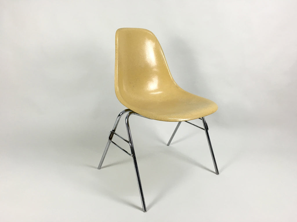 Vintage Eames DSS Fibreglass Side Chairs   Light Ochre
