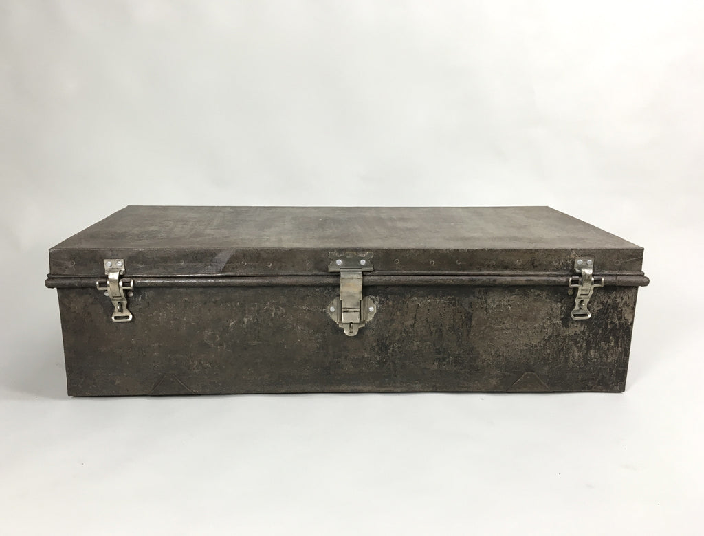 1940s metal trunk - eyespy